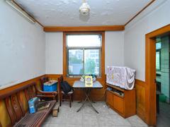 东七日化厂宿舍 房子简单装修,看房方便