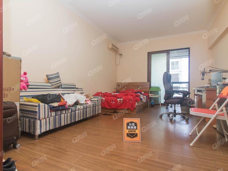 8克拉 1室0厅0厨1卫 36.4m² 精致装修