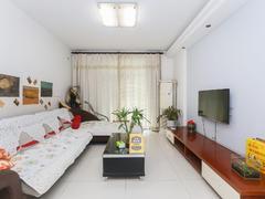 凤凰城家家景园桂香堤岸二期 3室2厅1厨1卫 114.6m² 满五年二手房效果图