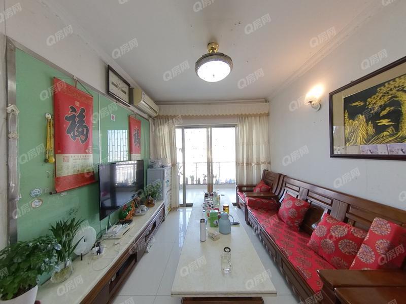 龙凤雅居 厅出阳台两房 满五年 装修保养好 业主诚心出售