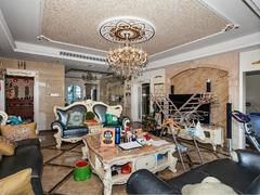 鹏广达云顶道 五房出售 大客厅 带装修拎包入住 物业管理好