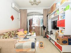 丽湖花园 精装2房2厅 朝南采光好 户型实用 居住适宜二手房效果图